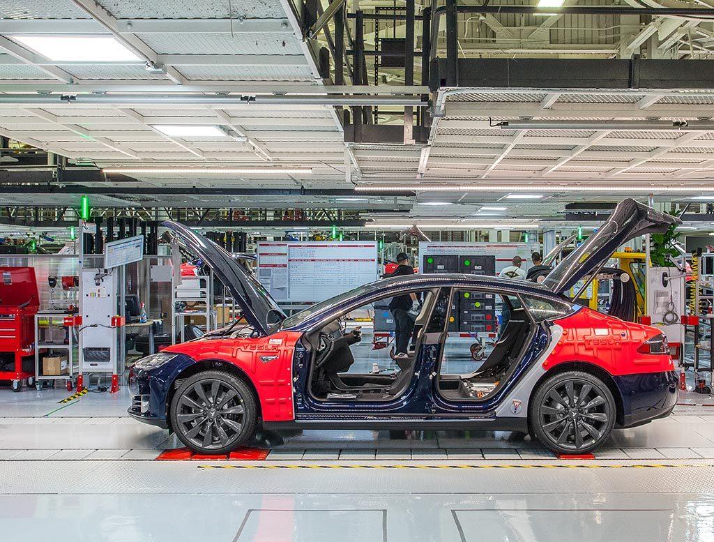 Tesla entwickelt maßgefertigte AI Chips