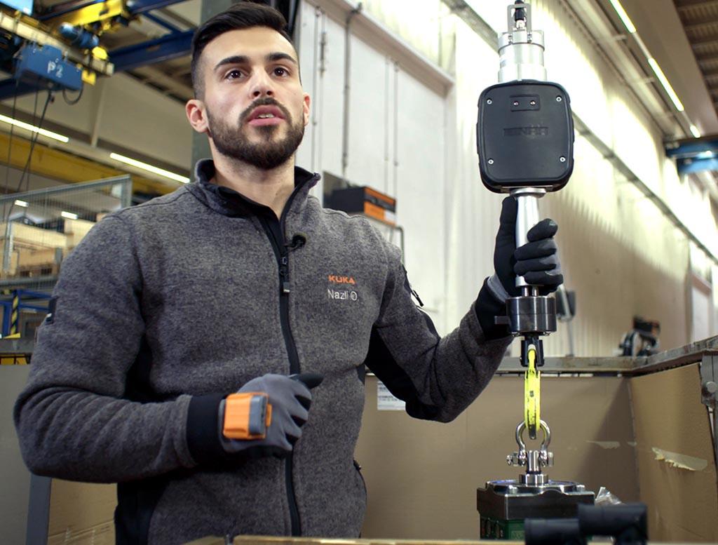 ProGlove - erneut 5,5 Millionen für intelligente Handschuhe - Mark im Einsatz bei KUKA